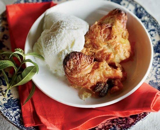 Pumpkin Pie-Croissant Pudding